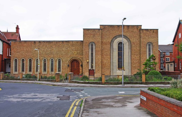 St Annes synagogue : photo by PL Chadwick (© creative commons)