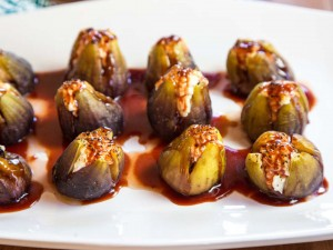 stuffed-figs-with-goat-cheese